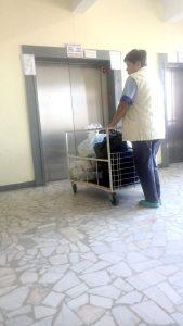 Nici până acum nu a fost reparat liftul la Spitalul Judeţean!