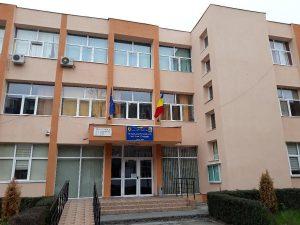 """La 40 de ani de la deschidere - Trei zile de sărbătoare la Şcoala """"I.L. Caragiale"""""""
