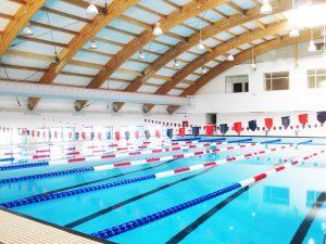 Bazin de înot la Curtea de Argeş
