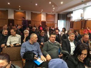 Se înfurie primarii aşteptând parlamentarii...