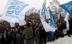 Sindicaliştii de la Dacia ies din nou în stradă