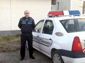 Poliţiştii au salvat de la moarte un bărbat