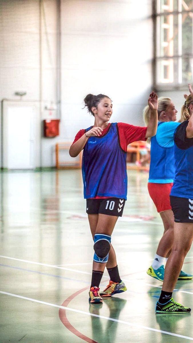 """""""Femeie şi sportivă - o combinaţie frumoasă, dar care cere sacrificii"""""""