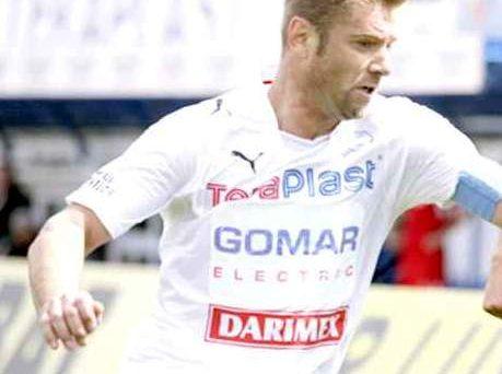 Valentin Năstase caută tineri care vor să devină fotbalişti. Selecţia, sâmbătă, la Bradu