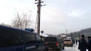 Jandarmii au picat pe capul hoţilor de curent