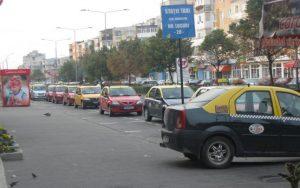 Amendă pentru taximetriştii care refuză curse