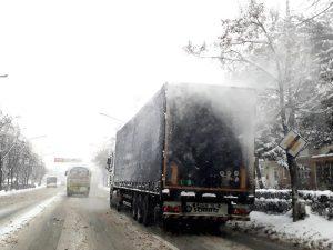 Amenzi usturătoare pentru cei care circulă cu zăpadă pe maşină