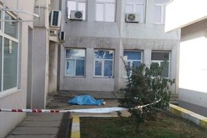Bărbat căzut de la etaj la Spitalul Judeţean Piteşti. Accident sau sinucidere?