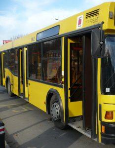 Apel către şoferii de autobuz din Piteşti: fiţi şi oameni, nu doar şoferi!