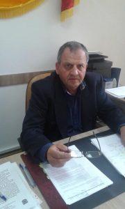 Primarul din Bughea de Jos le-a tăiat ajutoarele sociale romilor