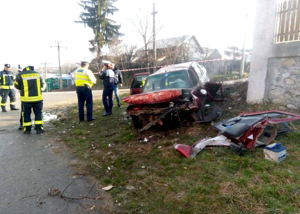 Cercetat pentru cămătărie şi furt, a făcut praf maşina în accident!