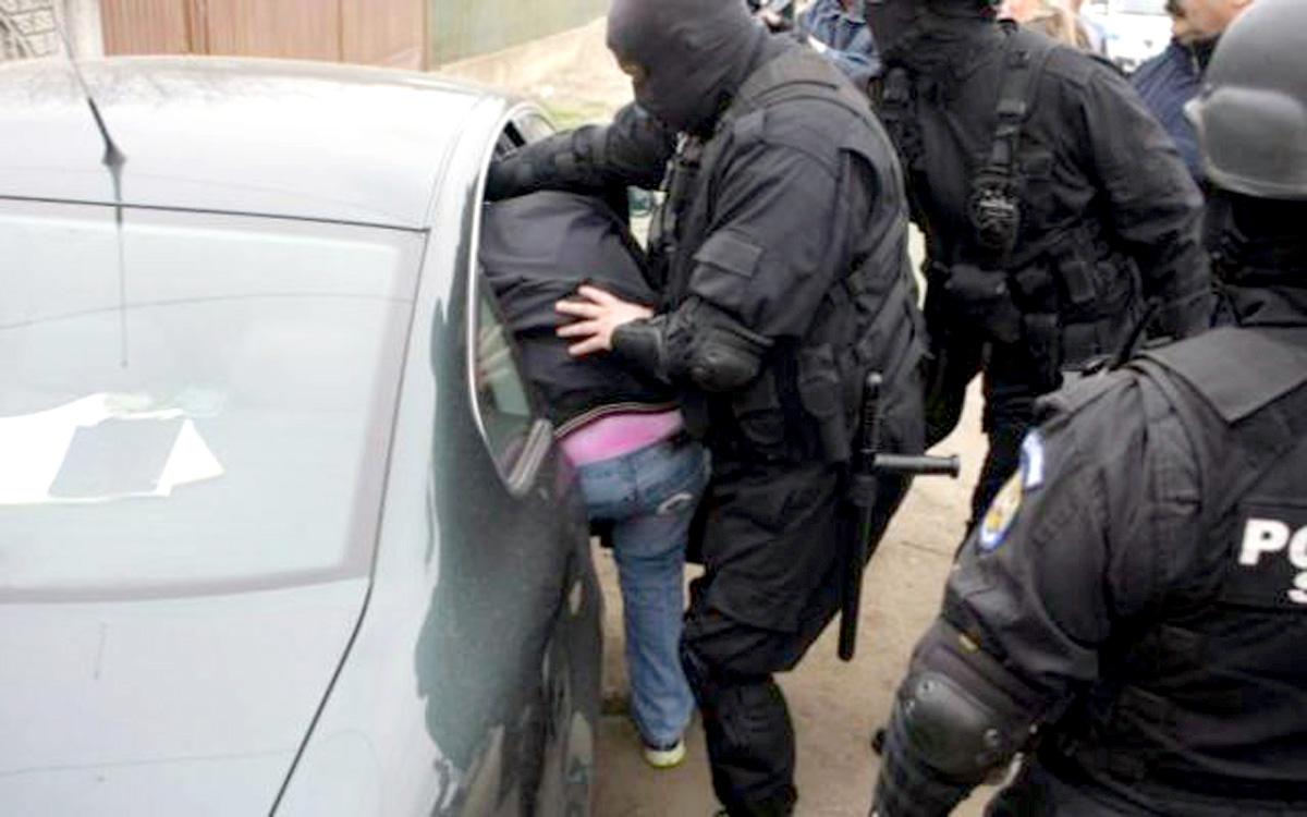 Un vânzător de moarte a fost capturat de poliţişti