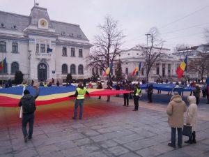 Protest în faţa Primăriei Piteşti