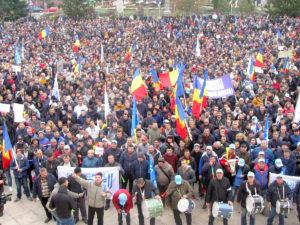 Sindicatul a aprobat declanşarea grevei generale la Dacia