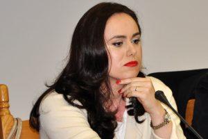 Simona Bucura Oprescu, proiect pentru taximetrişti