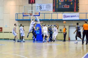 Mare minune mare la baschet: BCM Piteşti a învins dramatic campioana en titre, Universitatea BT Cluj-Napoca