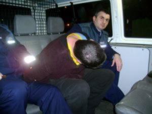 Tâlharul, condus la poliţie după ce a fost prins