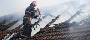 Incendiu şi copil de doi ani în stop cardio-respirator!