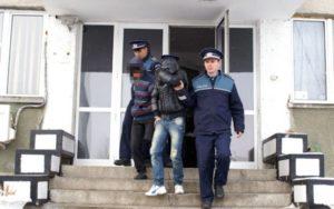 Doi şantajişti, puşi sub control judiciar