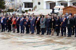 O mulţime de oficialităţi, la Mioveni