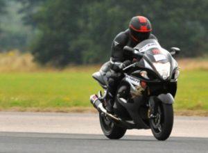 Motociclist inconştient, prins rulând cu peste 200 km la oră!
