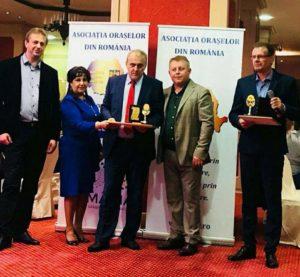 Primarul Mioveniului a primit premiul pentru performanță și succes în administrația publică