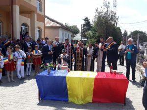 De ziua comunei - La Slobozia a fost aprinsă