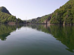 Imaginile cu lacul plin sunt magnifice