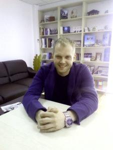 Noul manager al Centrului Cultural Mioveni - un perfecţionist cu suflet de artist