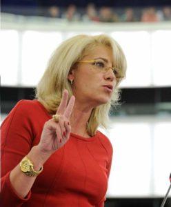 Camarazii din PSD au adus-o au adus-o la disperare pe Corina Creţu