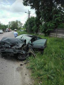 Soţi răniţi în accident la Leordeni