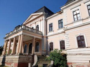 Ei au obţinut 4 milioane euro pentru un castel!