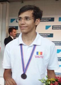 Un elev argeşean, în tabăra naţională de informatică