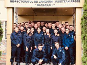 Elevi de la Şcoala de Subofiţeri jandarmi din Drăgăşani, în practică la Piteşti
