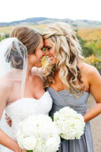 Cum să fii în centrul atenţiei la nunta celei mai bune prietene