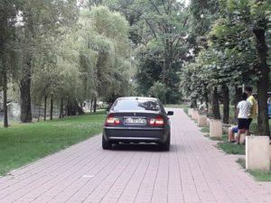 ACUM! Cu BMW-ul prin Parcul