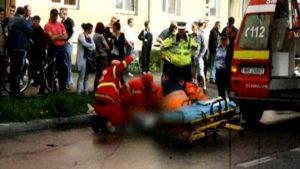 Bătrân lovit de maşină, azi, la Curtea de Argeş, după ce traversase prin loc nepermis