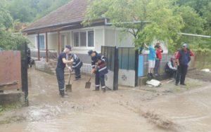 Gospodării afectate de inundaţii