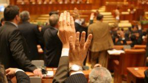 Deputaţii au modificat aseară, în mare viteză, modificări la Codul de Procedură Penală. România riscă să devină un paradis infracţional, acuză Opoziţia