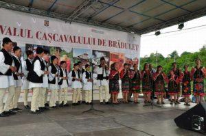 Imagine de la una dintre ediţiile Festivalului Caşcavalului